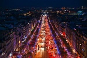 View-from-Arc-de-triomphe-of-Champs-Élysées-avenue_17243426_xl-600x400